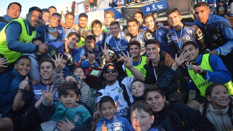 El León gritó campeón por cuarta vez en la Copa Neuquén
