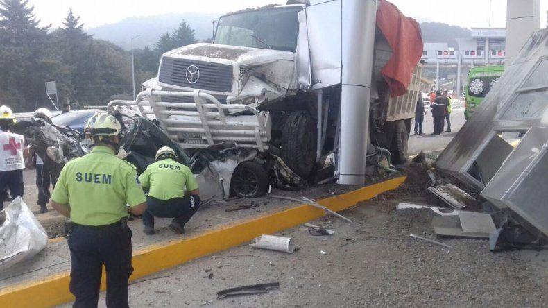 Camión atropelló a 19 personas y mató a siete