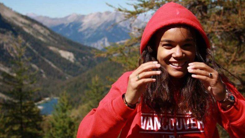 Cedella pasó 15 días en la cárcel. Había ido a Canadá a ver a su madre.