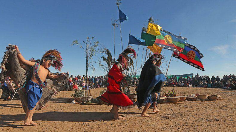 El Wiñoy Xipantv es un celebración tradicional de las comunidades. Representa el inicio del ciclo natural del año.