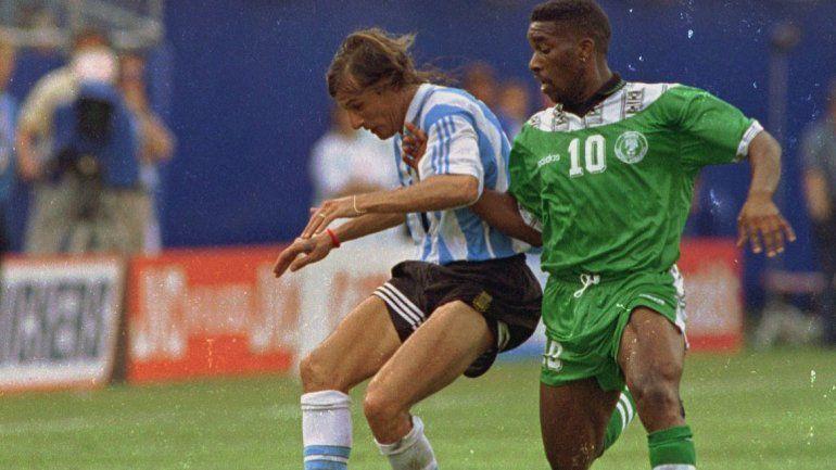 En 1994 hubo doblete del Pájaro Caniggia y en Brasil 2014 fue Messi el que tuvo doble festejo.