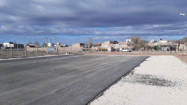 La Muni ya puso asfalto a los predios deportivos