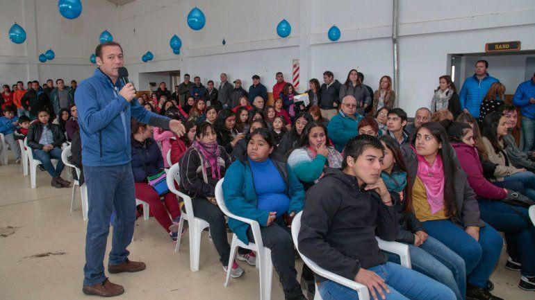 Gutiérrez llevó la campaña al sur de la provincia