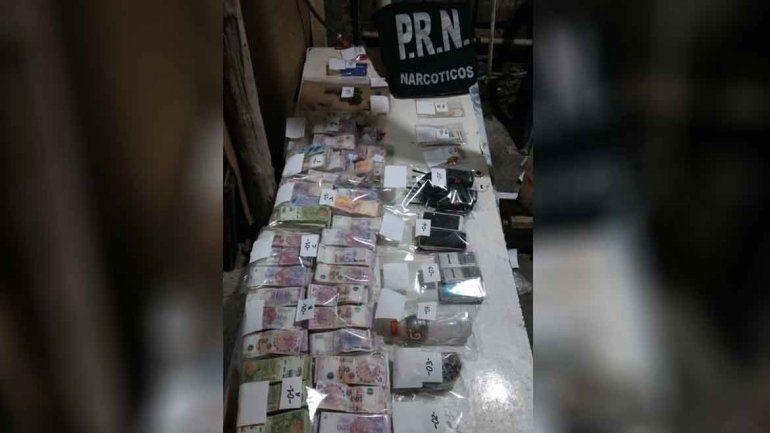 Cayeron dos narcos cipoleños con droga y 1,2 millones de pesos