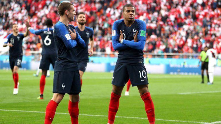 Griezmann y Mbappé quieren volver a repetir su festejo tan particular frente a Dinamarca.