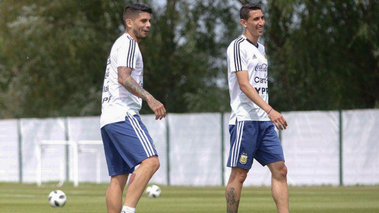 Banega y Di María, dos de los futbolistas que vuelven a la titularidad en un duelo clave.