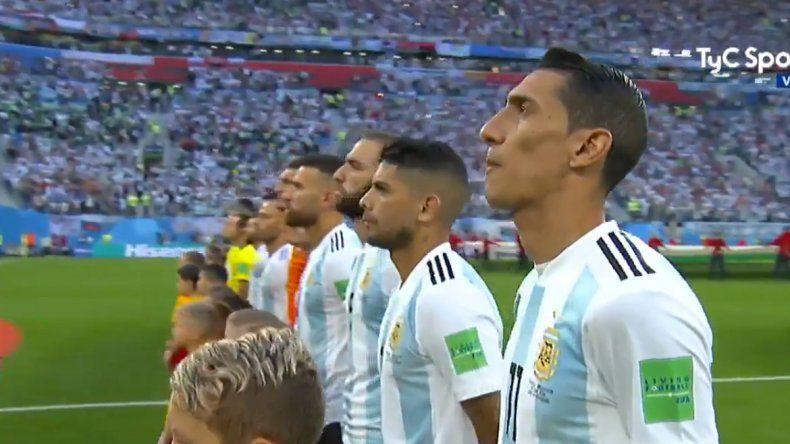 Mirá la emoción que se vivió con el Himno en el estadio