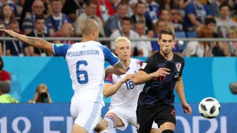 Mirando de reojo: Croacia le ganó 2 a 1 a Islandia