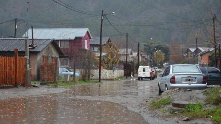 Por la lluvia advierten sobre desprendimientos en la ruta de Siete Lagos