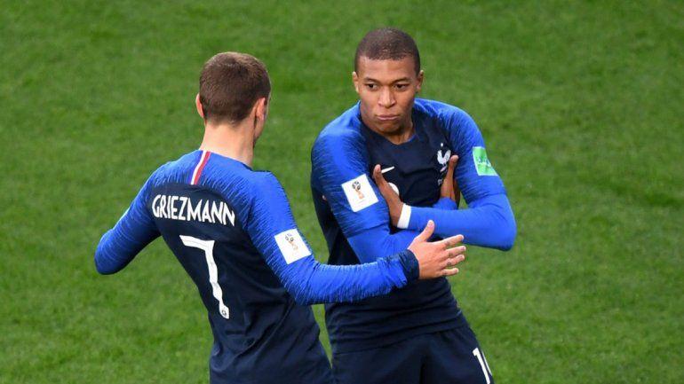 Griezmann y Mbappé se preparan para lastimar a la defensa argentina. ¿Podrán vencer a Armani?