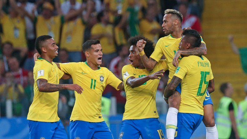 Brasil ganó y se medirá con México en octavos