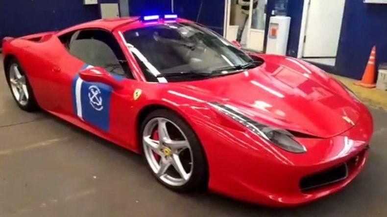 Prefectura Naval incorporó una Ferrari que pertenecía a un empresario preso
