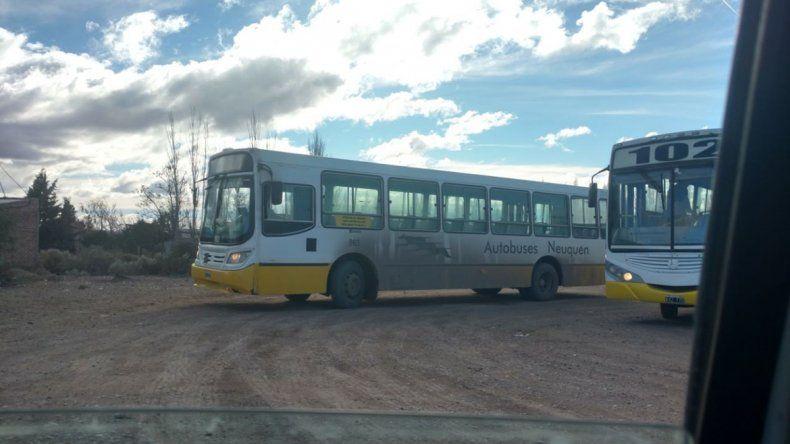 Vecinos de Balsa Las Perlas reclaman por falta de transporte público
