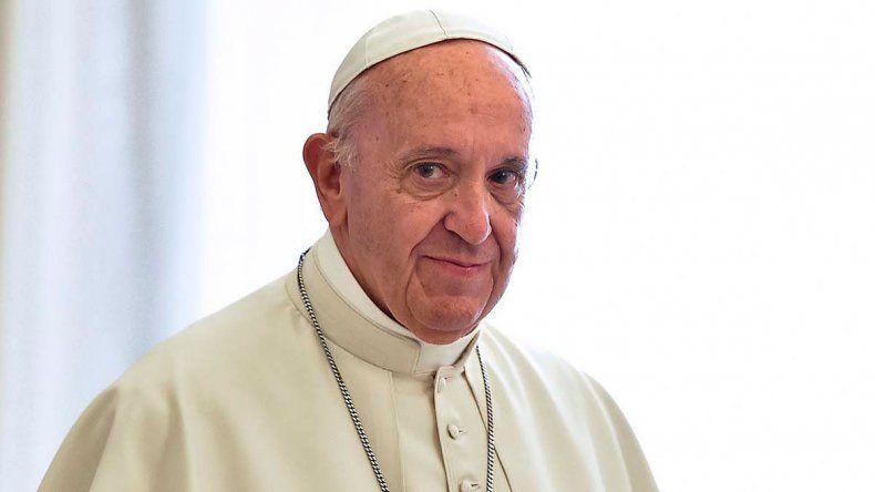 El sumo pontífice promovió las salidas de los obispos de Rancuaga y Talca.