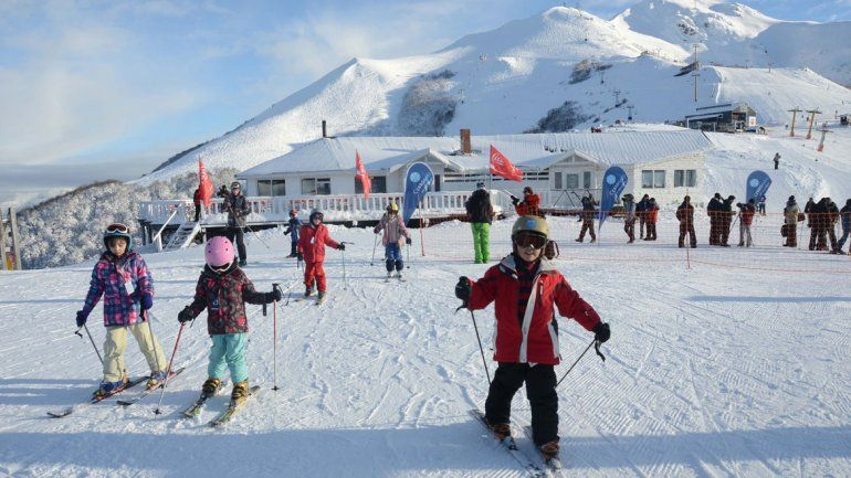 Fin de temporada de invierno: más de 100 mil visitantes pasaron por el Cerro Bayo