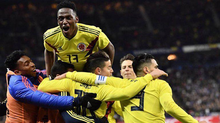 El festejo del equipo de José tras conseguir el triunfo y la clasificación.