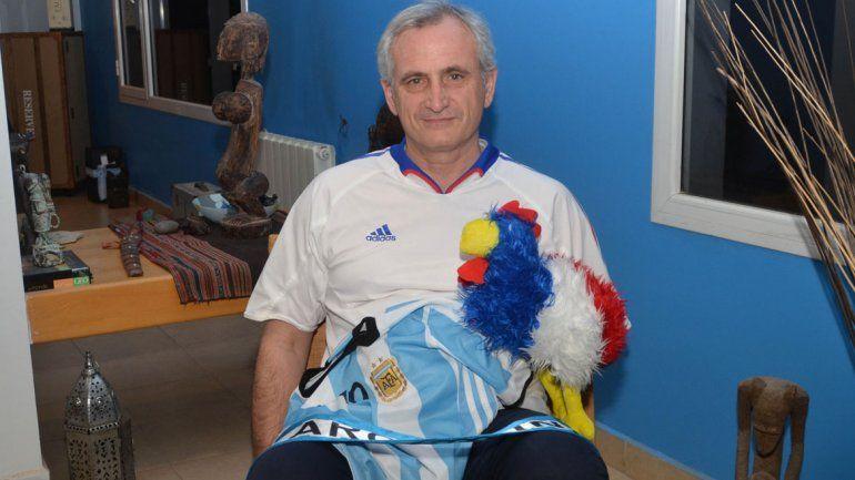 Jérôme recibió a LM Neuquén en su casa de Cipo. Mis alumnos me preguntan mucho por el partido