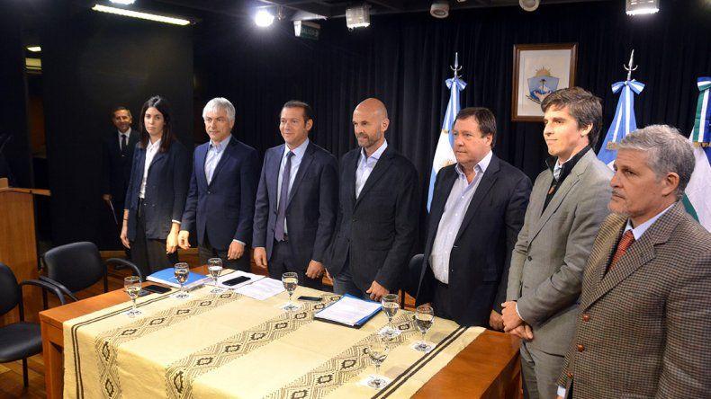 Dietrich y Gutiérrez anunciaron el tren de Vaca Muerta