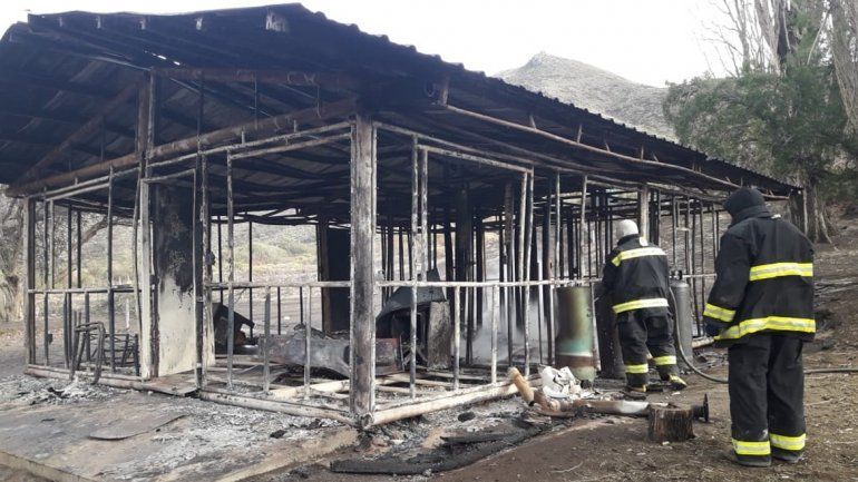 Se incendió una casa en una estancia de Junín de los Andes