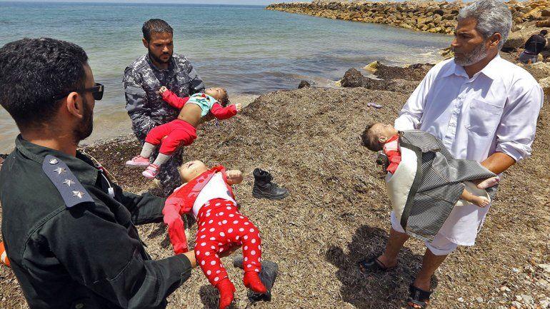 Libia: centenar de desaparecidos en el mar