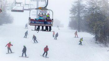 En el inicio de la temporada invernal se habilitaron las pistas ubicadas entre las cotas 1250 y 1700 metros.