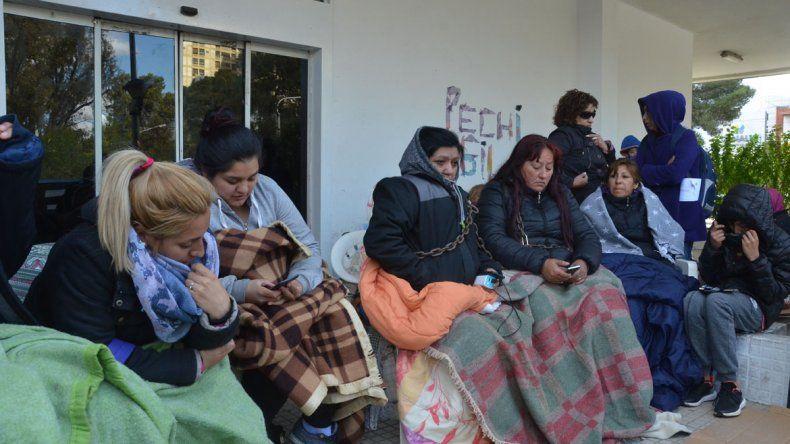 Pechi reimpulsa una causa penal contra 33 despedidas
