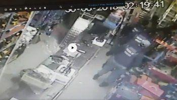 Entró a robar por el techo en un local y lo atraparon