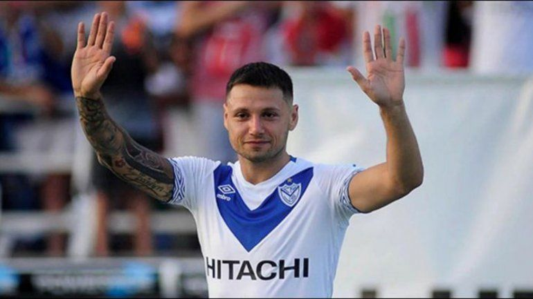 Mauro Zárate se despidió de Vélez y se acerca a Boca