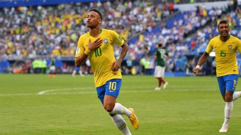Neymar brilló en Brasil y se llevó todos los aplausos del público carioca.