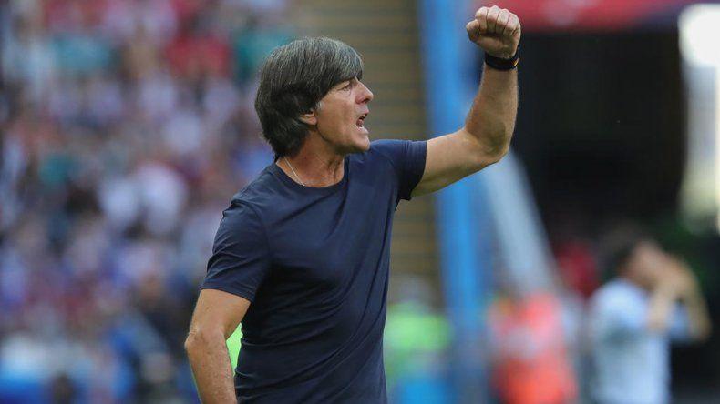 Löw continuará al frente de la alicaída Selección de Alemania