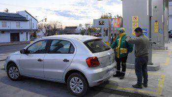 Llenar el tanque en Neuquén cuesta casi 1600 pesos