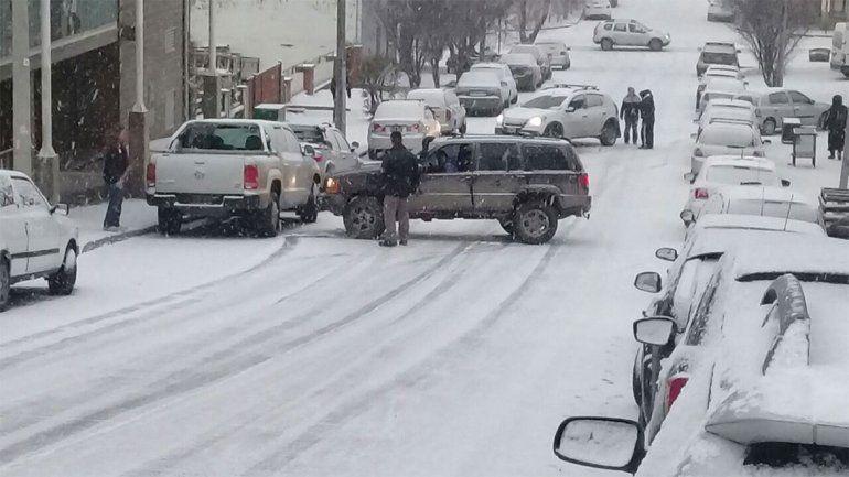 Bariloche, entre choques y despistes por culpa de la nieve