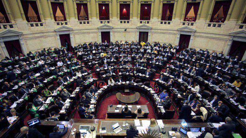 Diputados aprobó la Ley Micaela Garcia: capacitarán contra la violencia de género