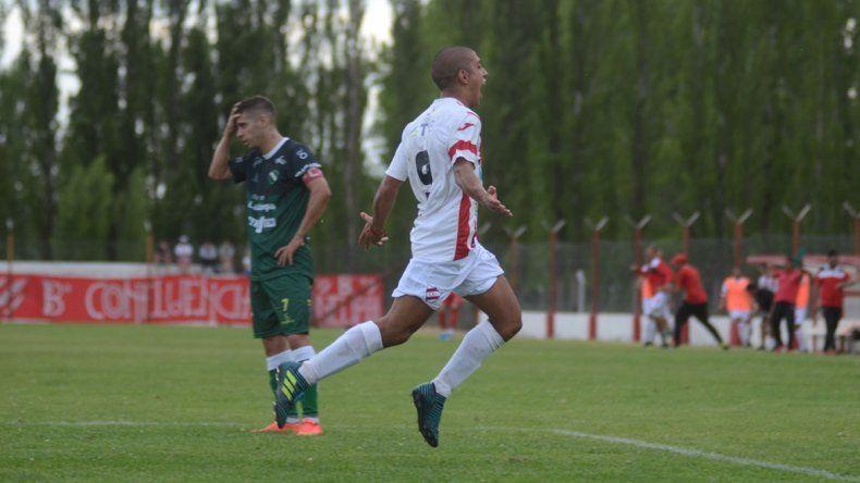 Villegas festejando una de sus conquistas en Independiente.