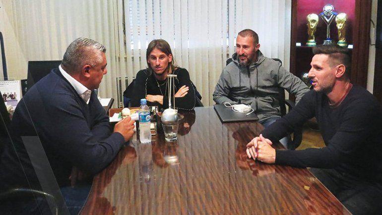 Rescindieron los contratos de los colaboradores de Sampaoli