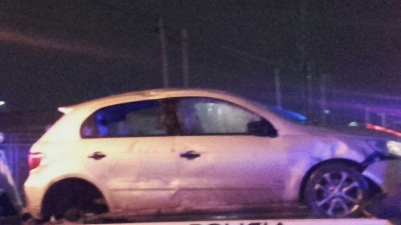 Policía borracho al volante volcó y se negó al alcotest