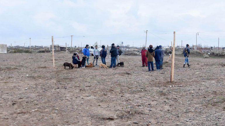 Denuncian una toma en la meseta pero los vecinos dicen que pagaron por el terreno