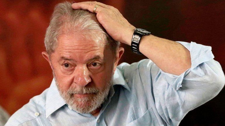 Un juez ordenó liberar a Lula, pero otro lo rechazó