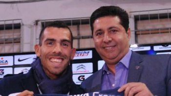 Lautaro Acosta, en 2012, uno de los primeros refuerzos. Tevez, estrella mundial. Zárate, ruidoso pase actual.