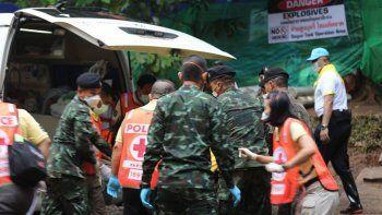 Rescataron al quinto nene de la cueva y sigue el operativo