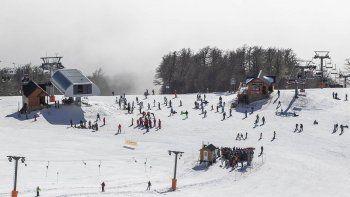 chapelco tuvo la visita de mas de diez mil esquiadores