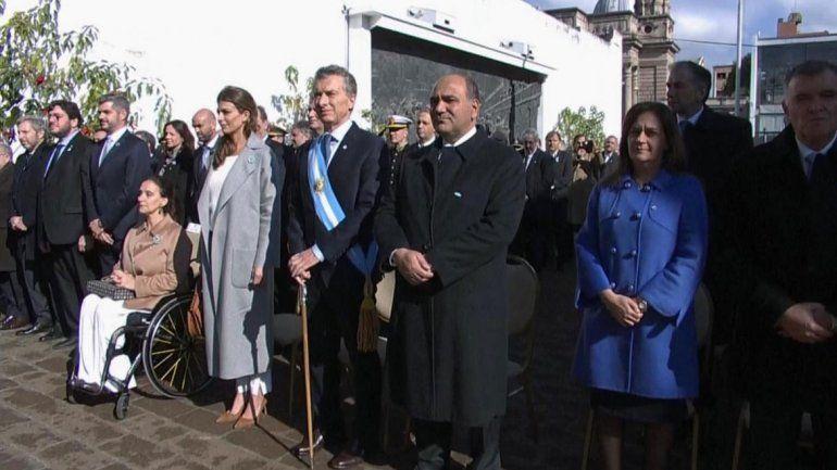 El Presidente estuvo con el gobernador tucumano y la vicepresidenta.
