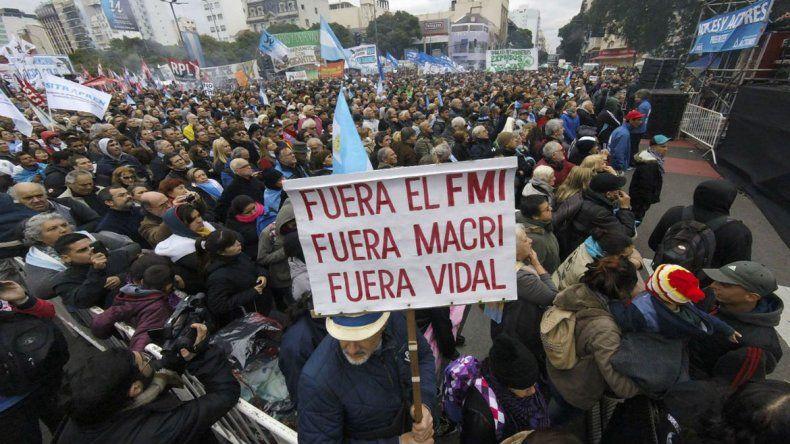 El escenario del acto fue ubicado en las avenidas 9 de Julio y Belgrano.