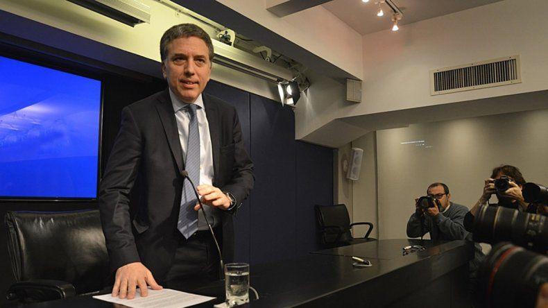 Diputados: Dujovne desmintió que se analice dolarizar la economía