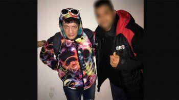 Un integrante del staff de Ulises Bueno publicó en las redes una foto que se sacó con Pity Álvarez en Pinar de Rocha, esta madrugada.