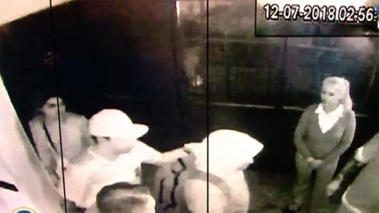 Una de las imágenes de las cámaras de seguridad en las que se ve a Pity Álvarez en Pinar de Rocha.
