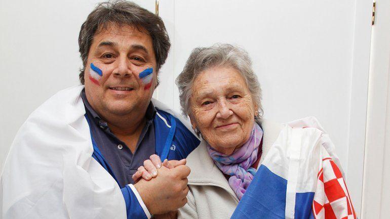 El desafío. Serge y Catalina no apostaron nada, pero confían en que sus selecciones lograrán la victoria.