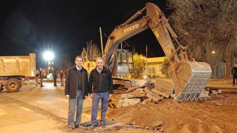 Pechi visitó los trabajos nocturnos del Metrobús y pidió disculpas a los vecinos