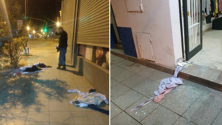 Bajo neuquino: robaron ropa de un local, la desparramaron por la calle y la ensuciaron con caca de perro
