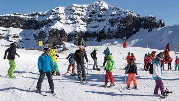 esperan recibir a diez mil esquiadores por dia